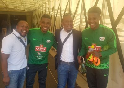 SG, Thulani Hlatshwayo (Bafana Bafana Captain), President and Bongani Zungu during the National Team Visit.